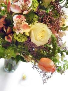 wpid-1302705_huge_flower_bouquet_5-2011-05-9-09-07.jpg